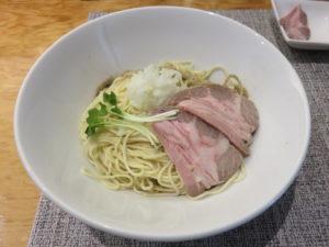 淡麗煮干ソバ(醤油)@煮干乱舞 TOKYO:カルピスバターの和え玉