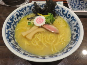 濃厚鶏白湯麺@名物よだれ鶏と濃厚鶏白湯麺 MATSURIKA 武蔵新田店:ビジュアル