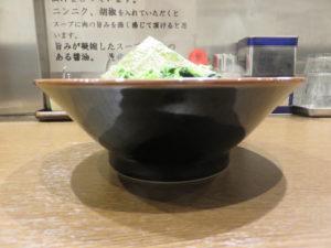 ラーメン 並盛@わいず製麺:ビジュアル:サイド