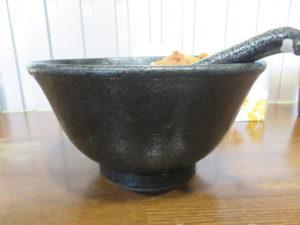 冷やしスパイシーカリー麺(大辛)@らーめんぶたまろ:ビジュアル:サイド