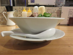 5種の貝ダシソバ@自家製麺 うろた:ビジュアル:サイド