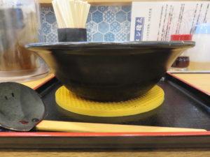 海豚麺@ラーメン猪太:ビジュアル:サイド