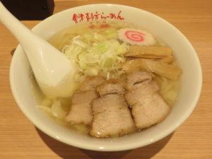 會津山塩らーめん(手打ち麺)@會津・喜多方らーめん 愛絆:ビジュアル
