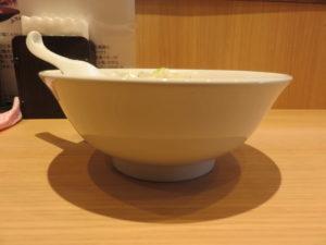 會津山塩らーめん(手打ち麺)@會津・喜多方らーめん 愛絆:ビジュアル:サイド