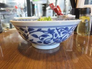 煮干わんたんめん@寿製麺よしかわ 保谷店:ビジュアル:サイド