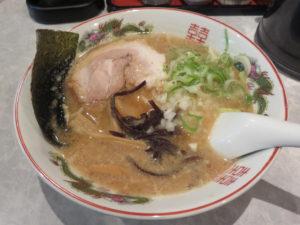 牛骨しょうゆラーメン(中太麺)@最高峰牛骨ラーメン 麺房 徳山:ビジュアル