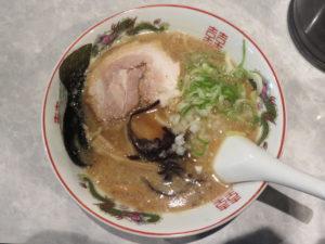 牛骨しょうゆラーメン(中太麺)@最高峰牛骨ラーメン 麺房 徳山:ビジュアル:トップ