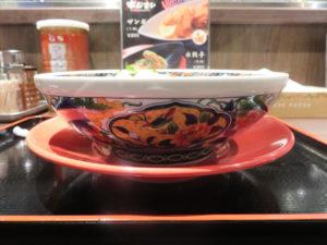 函館ラーメン@麺厨房あじさい 横浜ハンマーヘッド店:ビジュアル:サイド
