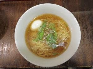パーコー湯麺(白い味玉)@広東麺 チャーリー:ビジュアル:トップ