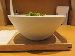 汁なし坦坦麺 黒胡麻(辛め)@汁なし担担麺 ピリリ 銀座店:ビジュアル:サイド