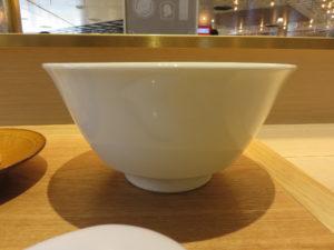 醤油らぁ麺@湯河原 飯田商店:ビジュアル:サイド