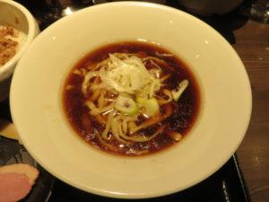 鴨出汁醤油そば@鴨出汁中華蕎麦 麺屋yoshiki:ビジュアル