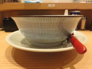 鯛塩らぁ麺@鯛塩そば 灯花 ペリエ千葉店:ビジュアル:サイド