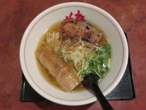 淡麗醤油らーめん@麺や 藏人 北千住店:ビジュアル:トップ