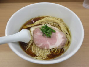 醤油らぁ麺@麺や三樹三郎:ビジュアル