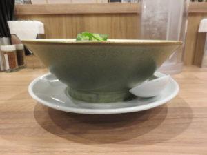 醤油@麺処 ほん田 秋葉原本店:ビジュアル:サイド