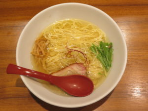 香彩鶏だし塩らーめん@麺屋 翔 御徒町店:ビジュアル:トップ