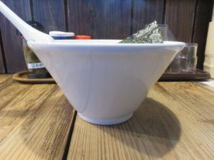 昆布の塩らー麺@昆布の塩らー麺専門店 MANNISH:ビジュアル:サイド