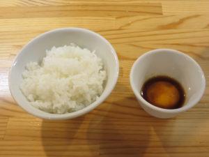 (竹)中華そば(白醤油・平打ち麺)@自家製麺 くろ松:うに醤油漬け卵黄ごはん