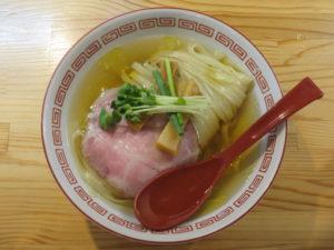 (竹)中華そば(白醤油・平打ち麺)@自家製麺 くろ松:ビジュアル:トップ