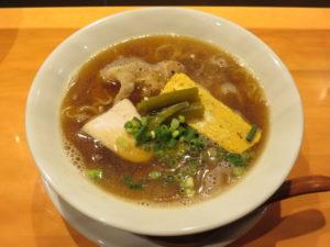 醤油拉麺@麺や 丸三:ビジュアル