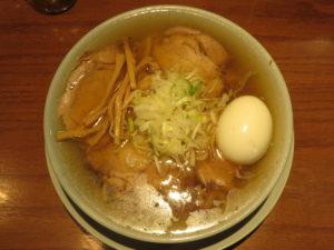 中華そば(茹で卵)@えっちゃんラーメン:ビジュアル:トップ