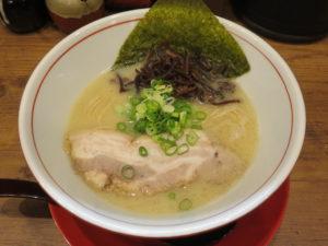 鶏豚骨白(細麺)@鶏・豚骨らーめん 水沢:ビジュアル