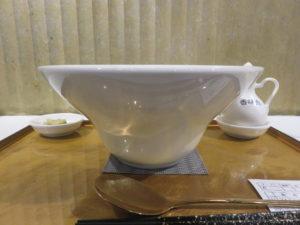 ふかひれ贅沢フォアグラ麺@フカヒレ フィンフィン 新橋店:ビジュアル:サイド