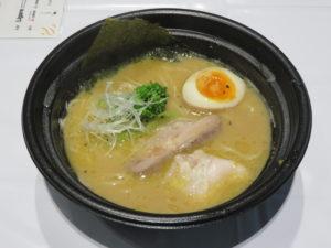 熊本味噌とショコラブランの天草大王ラーメン@丸の内×Japan47 ストリートレストラン:ビジュアル