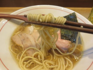 中華そば「煮干し」(醤油)@屋号なし(池田です!)(葭川公園駅)麺