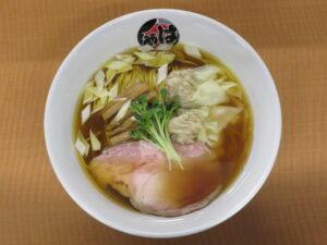 醤油ワンタンメン(黒)@らーめん はやし(上尾駅)ビジュアル:トップ