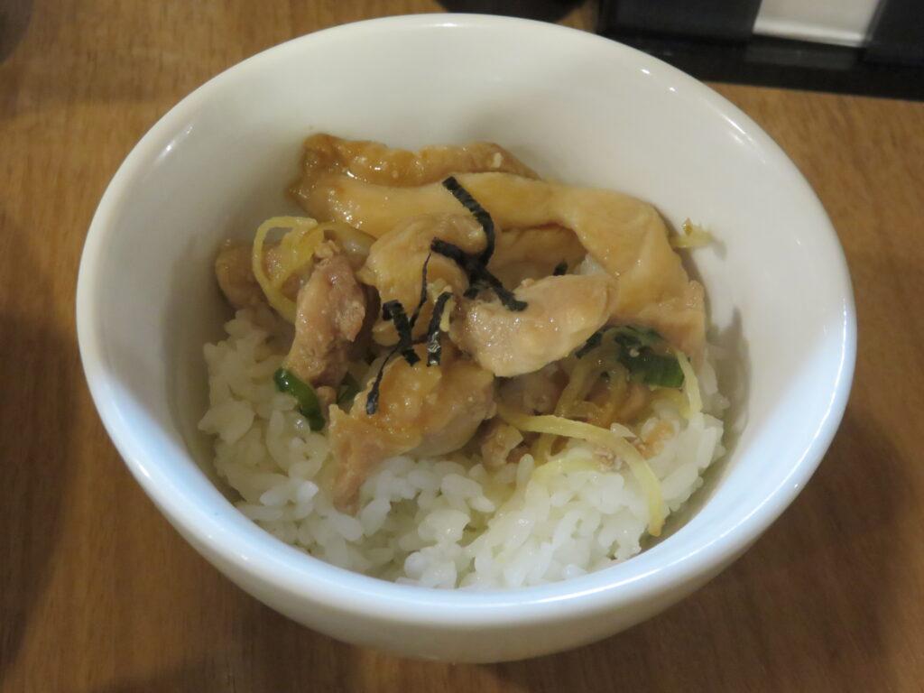 いりこラーメン@MENクライ(浜松町駅)鶏の生姜丼