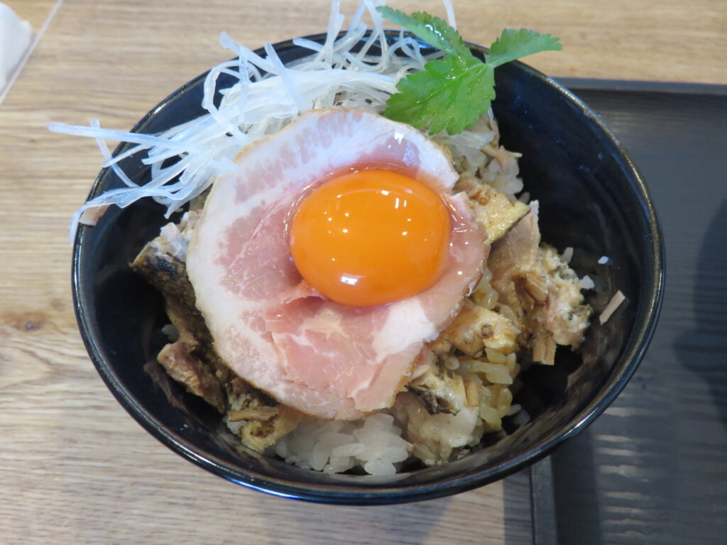 しょうゆらーめん@麺屋 なが尾(草加駅)豚丼