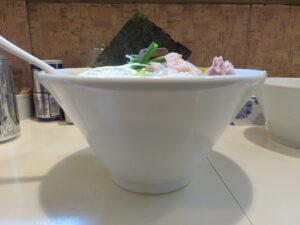 辛味噌DARSもぐらー麺@塩生姜らー麺専門店 MANNISH 浅草店(浅草駅)ビジュアル:サイド