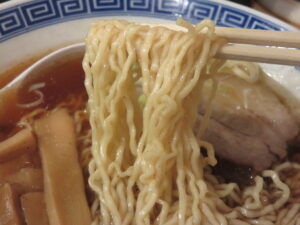 中華そば(並盛)@豆天狗 本店(高山駅)麺