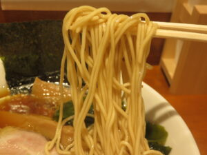 中華そば@拉麺 伍年食堂(横浜駅)麺