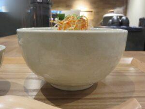 担々麺(中太麺)@茶麺房 貴勇(大手町駅)ビジュアル:サイド