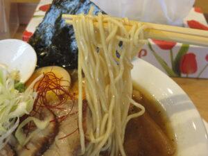 特製スパイス煮干しラーメン@スパイスラーメン やるき(新中野駅)麺