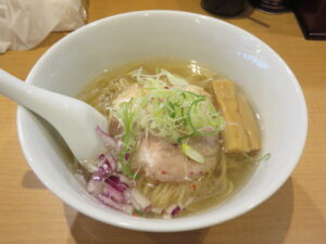 塩らぁ麺~ポルチーニ香る~@らぁ麺 半七(鶴ヶ峰駅)ビジュアル